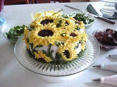 Sunflower cake with buttercream | Cake decorating