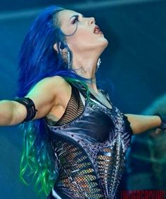 Chica Heavy Metal, Alissa White, Amy Lee Evanescence, Symphonic Metal, Arch Enemy, Metal Girl, Hayley Williams, Metal Bands, Rock And Roll