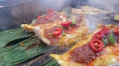 Nasi Lemak Street Food Nasi Lemak, Tuesday, Goodies, Ethnic Recipes, Food Food, Sweet Like Candy, Treats, Gummi Candy, Sweets