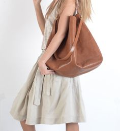 Carryall big leather tote! Raw hobo bag in honey brown! Classic and stylish!