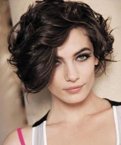20 short wavy hairstyles for girls. Ideas about short wavy hair. Short hairstyles for wavy hair. Curly Hair With Bangs, Curly Hair Cuts, Short Curly Hair, Curly Hair Styles, Thick Hair, Long Bangs, Curly Pixie, Frizzy Hair, Curly Bob