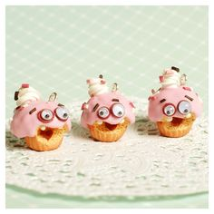 cute sugary googly creatures ♥ muffins with strawberry glazing & google eyes