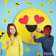 How to throw an emoji party - Today's Parent Unique Birthday Party Ideas, 13th Birthday Parties, Kids Party Themes, Birthday Party Themes, Birthday Bash, Graduation Parties, Sleepover Party, Slumber Parties, Kid Parties
