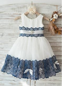 Buy discount Eye-catching Lace & Tulle Scoop Neckline Knee-length Ball Gown Flower Girl Dresses With Beadings at Magbridal.com