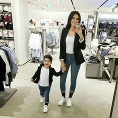 Matching mommy and son outfit Mother Son Matching Outfits, Mom And Baby Outfits, Couple Outfits, Little Boy Fashion, Baby Boy Fashion, Kids Fashion, Trendy Fashion, Outfits Madre E Hija, Mother Daughter Fashion
