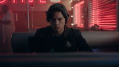 Season One Riverdale screencaps of Cole. Cole Sprouse Jughead, Cole M Sprouse, Dylan Sprouse, Riverdale 2017, Riverdale Memes, Riverdale Cast, The Cw Shows, Tv Shows, Sprouse Bros