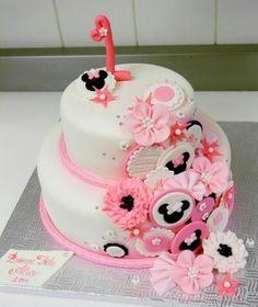 Minnie Mouse cake - so elegant!