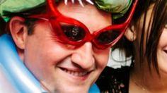 El ex intendente, Daniel Giacomino (hoy diputado nacional) le festejó los 15 a su hija con una fiesta sobre la cual se cuestiona su costo. La polémica está instalada, incluso con fotos que se publicaron. Enterate los detalles.