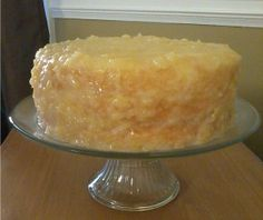 Old Fashion Pineapple Cake - Desserts / Fruit - Best Cake Recipes Old Fashioned Pineapple Cake Recipe, Pineapple Layer Cake Recipe, Pinapple Cake, Pineapple Glaze, Pineapple Desserts, Layer Cake Recipes, Pineapple Upside Down Cake, Frosting Recipes, Dessert Recipes