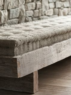 French mattress (looks a bit like burlap fabric but canvas drop cloth would work better for me) on rustic frame is a nice inspiration piece for crafters. More Mountain Villa, Interior Modern, Interior Design, Wabi Sabi, Decoration, Sweet Home, Upholstery, House Design, House Styles