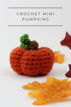 Make your very own cute crochet pumpkin! Get started with amigurumi with this free crochet pattern for halloween. Create your own cute mini crochet pumpkins with this easy crochet pattern. Cute and kawaii, this basic and beginner friendly DIY project is perfect for any crocheter that loves fall and halloween. This stuffed animal amigurumi is perfect for home decor. Great project for the spooky season! Easy and free stuffed animal plushie that can be made quickly and easily.
