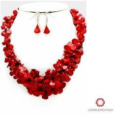 El collar rojo que necesitas para recibir el 2017  Encuentralo: http://ift.tt/2fYXx8H 809 405 5555/ 809 853 3250 Pagos a través de Paypal  Delivery  Envoltura disponible   #newarrivals #available #necklace #red #newyear #happy #gift #glam #chic #accesories #jewelry #trendy #delicate #precious #glam #gorgeous #unique #fancy #byou #becomplete #pretty #complementosjewelry #complementosrd