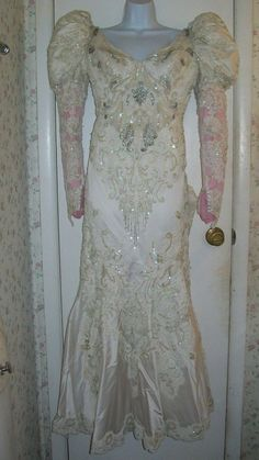 04cdfd4b47 Details about Eve of Milady Ivory Beaded Long Lace Sleeve Wedding Dress  w Train   1065  Size 6
