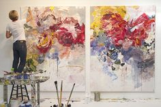 Картины, на которых изображены цветы, носят название «натюрморт». Но можно ли назвать мертвой природу на полотнах Bobbie Burgers? «Трагедия природной красоты в том, что она неизбежно исчезнет», — объясняет Бобби Бергерс. Она старается захватить мимолетный момент, впитать окружающее нас чудо, и сочными текстурными мазками воплотить эти эмоции на холсте.
