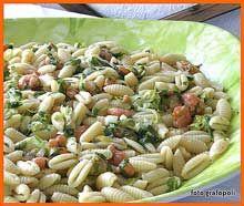 Insalata di Gnocchetti Sardi con Gamberi e Salmone Affumicato