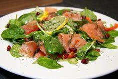 Spenatovy salat s uzenym lososem /Spinach salad with smoked salmon/ Zdravé, nízkosacharidové, bezlepkové recepty. (Healthy, low carb, gluten free recipes.)