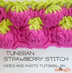 Tunisian Strawberry Stitch: Video and Photo Tutorial on moogly ♡ Teresa Restegui http://www.pinterest.com/teretegui/ ♡