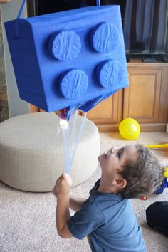 Smash and dash: A DIY Lego piñata is a birthday party smash! #diy #pinata #birthday