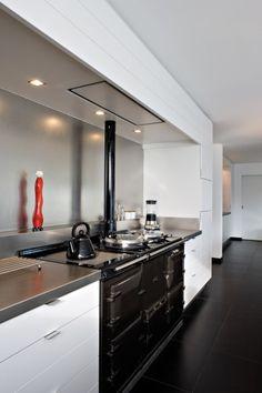 traditionele AGA in design keuken