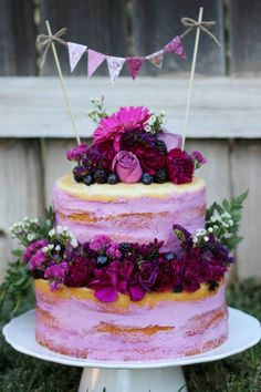 Naked Cake, Wedding Cake, Fresh Floral Cake, everything pretty, fresh and simple with a touch of love! Because this year it's all about the Naked Cake! To follow me visit me on FB! Thanks for watching ;) Roxy