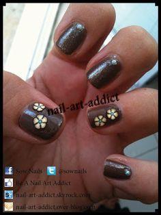 Nail Art : Fleurs et Fimo http://www.nail-art-addict.blogspot.fr/2011/09/nail-art-fleurs-et-fimo.html