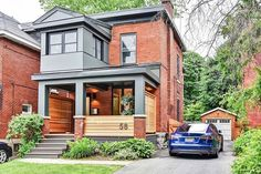 Modern brick homes modern porch on a red brick house exterior colour in 201 Best Exterior Paint, House Paint Exterior, Exterior House Colors, Exterior Design, Modern Brick House, Modern Porch, Brick Porch, House Front Porch, Bungalow Exterior