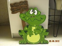 Welcome To Our Pad Wood Frog Sign, Frog Welcome Sign, Garden Frog Sign, Outdoor…