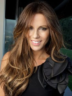 Kate Beckinsale's long, wavy hairstyle is totally enviable.