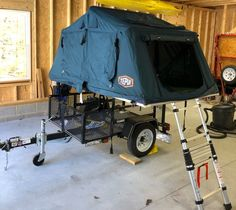 This is a x Carry-on utility trailer converted into a Tent Topped Camper by from the Tventuring forum using my No Weld Rack components. Camping Trailer Diy, Kayak Trailer, Off Road Trailer, Small Trailer, Trailer Plans, Trailer Build, Utility Trailer Camper, Camper Trailers, Jeep Tent