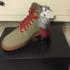 AIR FORCE 1 DUCK BOOT SIZE 8.5 MEN (RUN SMALL) CONDITION 10/10 (NEVER WORN) BEST OFFER Nike Shoes Sneakers