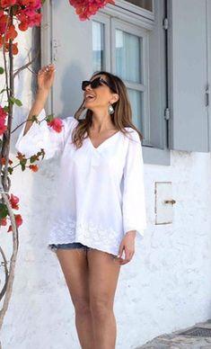 Αποκάλυψη της Δέσποινα Βανδή: Αυτή είναι η Θαυματουργή Δίαιτά που την κάνει να έχει κoρμί που Κόβει την Ανάσα. | Type Magazine Lashes, Cover Up, Diet, Celebrities, Dresses, Fashion, Vestidos, Moda, Celebs