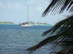 El velero, su nombre Bora Bora