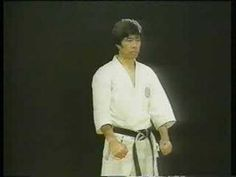 The most popular image associated with kata is that of a karate practitioner performing a series of punches and kicks in the air. The kata are executed as a . Martial Arts Workout, Martial Arts Training, Shotokan Karate Kata, Abs Workout Routines, Body Workouts, Kyokushin, Most Popular Image, Martial Arts Techniques, Kanazawa