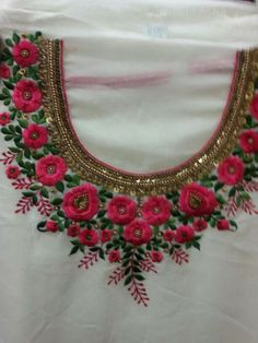 - Cris Figueired♥ Zardozi Embroidery, Embroidery On Kurtis, Hand Embroidery Dress, Kurti Embroidery Design, Embroidery Neck Designs, Embroidery Suits, Indian Embroidery, Brazilian Embroidery, Beaded Embroidery