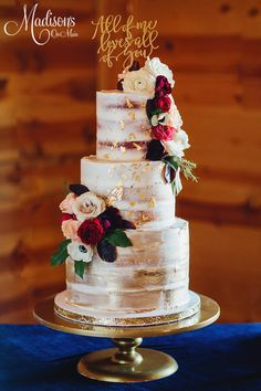 wedding cakes burgundy Nearly naked with barrel tiers. Gold leaf, gold strokes, an fresh flowers. Beautiful Wedding Cakes, Gorgeous Cakes, Pretty Cakes, Silver Cake, Gold Cake, Gold Leaf Cakes, Burgundy Wedding Cake, Wedding Cake Inspiration, Wedding Ideas