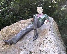 Oscar Wilde statue, Merrion Square Dublin Ireland