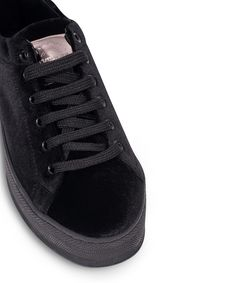GRUMMAN sneaker with a velvet touch. New Sneakers, Corner, Velvet, Touch, Black, Black People, New Trainers