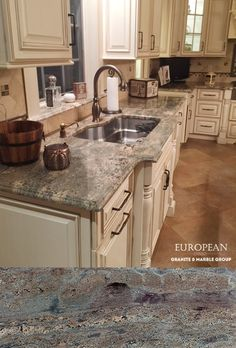 Create A Warm And Inviting Kitchen With Crema Bordeaux Polished Granite  Countertops. Itu0027s Sure To
