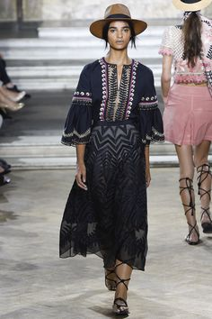 Temperley London Spring 2016 Ready-to-Wear Collection Photos - Vogue
