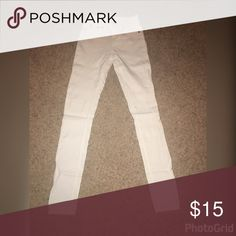 High waist skinny pants White stretchy high waist skinny pants with button & fly closure and back pockets. Front pockets are not open. Rue 21 Pants Skinny
