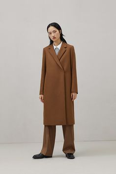 Simply pair this luxurious coat from COS' women's clothing collection with various shades of nude or just black for a chic winter look. Fall Wardrobe, Capsule Wardrobe, Cos Stores, Cotton Jumper, Camel Coat, T Shirts For Women, Clothes For Women, Colorful Fashion, Daily Fashion