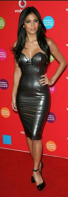 Nicole Scherzinger in sexy rubber dress Nicole Scherzinger, Sexy Latex, Fetish Fashion, Latex Fashion, Tight Dresses, Sexy Dresses, Mode Latex, Rubber Dress, Evolution Of Fashion