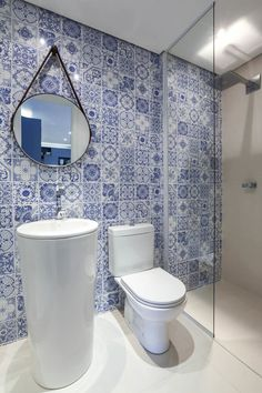 Bath Tiles, Bathroom Tile Designs, Bathroom Design Luxury, Bathroom Wall, Small Bathroom, Marocco Interior, Blue White Bathrooms, Double Bed With Storage, Tile Layout