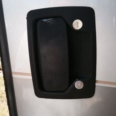 An RV, especially aMotorhome, has special door lock assemblies that can often function improperly. One problem that happens to some RVer's is that the locking mechanism can lock you out of your RV. Enclosed Trailers, Tiny Trailers, Camp Trailers, Camping Life, Rv Life, Camping Ideas, Camping Recipes, Rv Campers, Happy Campers
