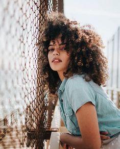 Fashion Photography Women Portraits Inspiration Ideas For 2019 Photography Poses Women, Urban Photography, People Photography, Photography Photos, Fashion Photography, Photography School, Urbane Fotografie, Photos Originales, Street Portrait