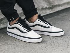 247251dd31 Chaussure the north face vans old school true white blanche