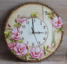 "Купить Часы ""Старая улочка"" розы объем - бежевый, коричневый, старая улица, улочка, фреска Clock Art, Diy Clock, Clock Decor, Clocks, Clay Wall Art, Mural Wall Art, Clay Art Projects, Clay Crafts, Diy Embroidery Clock"