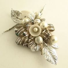 vintage christmas corsage | Vintage Christmas corsage. I think we should still ... | Deck the Ha ...