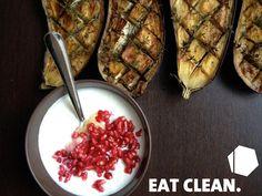 COMIDA MEDITERRÁNEA #eatclean #berenjena con #yogurtgriego y #granada.   Brainfood: SI  Minerals: SI Antioxidantes: SI Cardiosaludable: SI  ¡Más recetas próximamente!