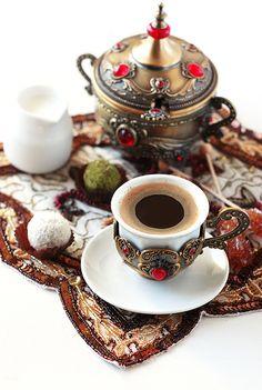 кофе по восточному: 24 тыс изображений найдено в Яндекс.Картинках